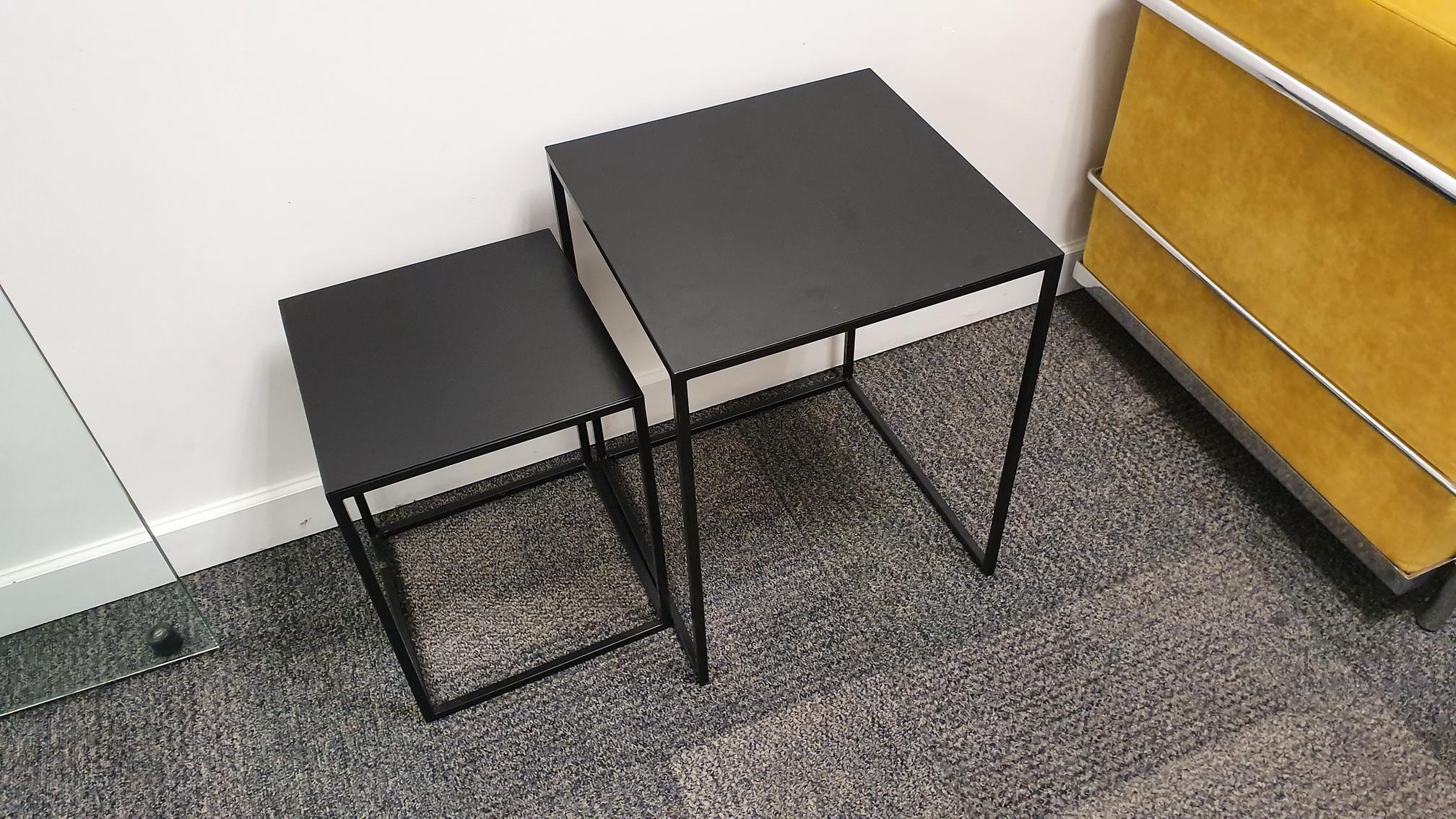 (2) Mesas bajas